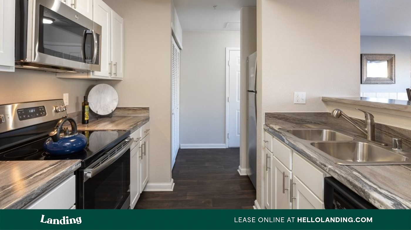 Landing Furnished Apartment Bellaire Ranch photo