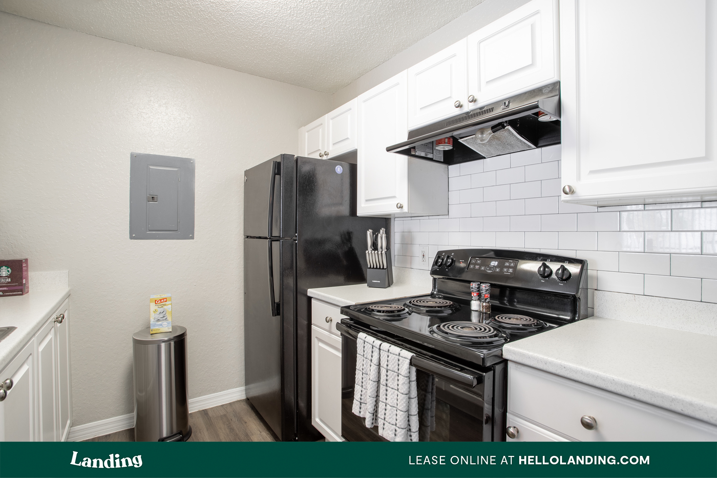 Live at Landing Furnished Apartment The Avenue